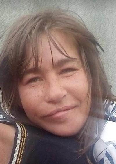 Невысокого роста и со шрамом на лице: 37-летняя женщина пропала в Каменском районе