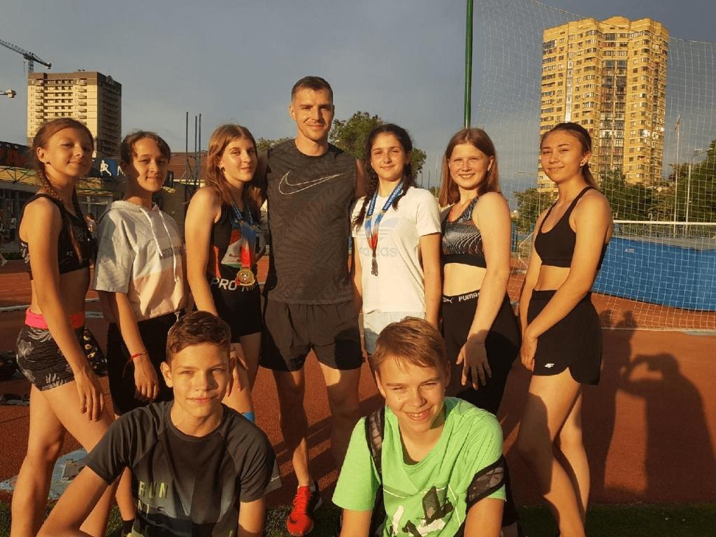Каменские спортсмены завоевали третье место в первенстве Ростовской области по лёгкой атлетике среди юношей и девушек до шестнадцати лет