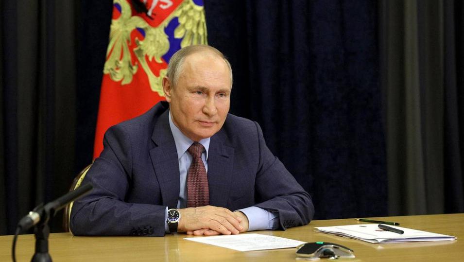 Путин считает, что нельзя никого запугивать и заставлять прививаться от коронавируса