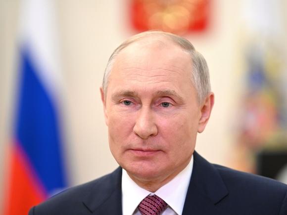 Путин перед выборами предложил выплатить всем военным и пенсионерам по 15 тыс. и по 10 тыс. рублей