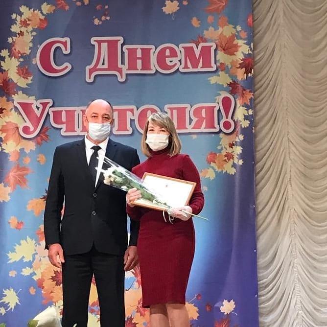 В Каменске-Шахтинском чествовали учителей и воспитателей