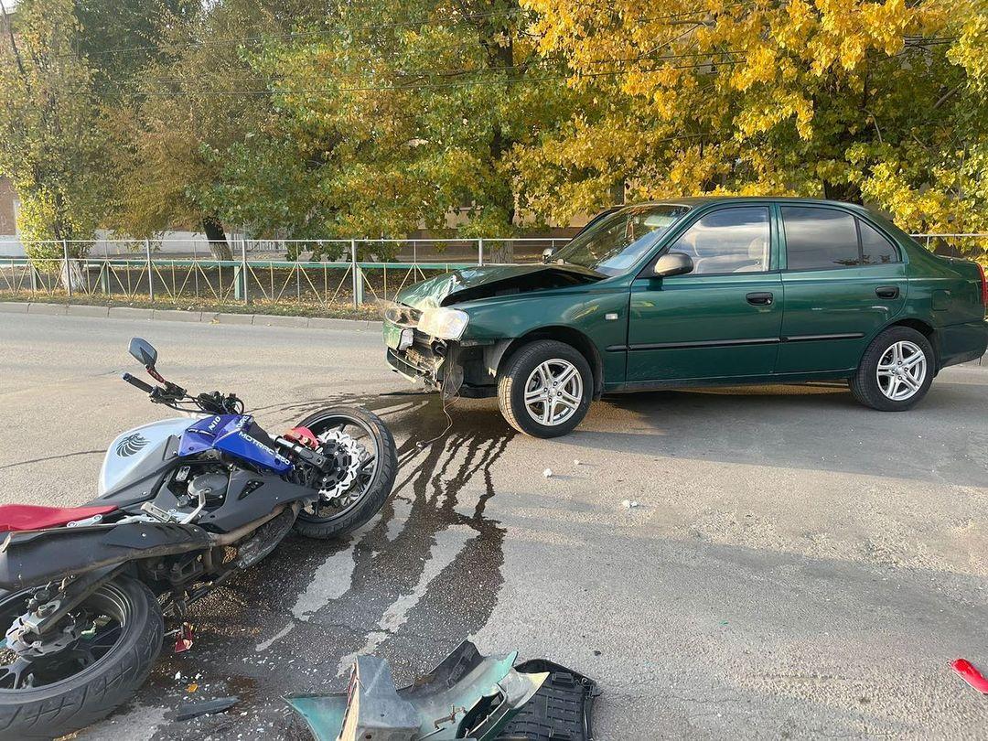 В ДТП в Лиховском пострадал несовершеннолетний мотоциклист