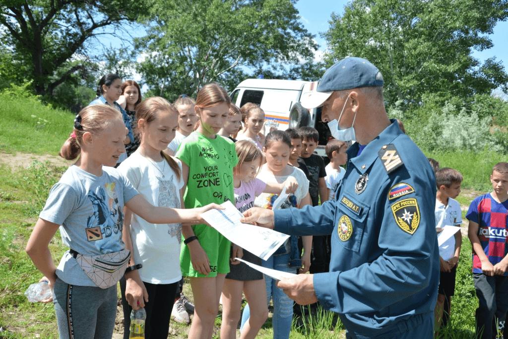 В хуторе Богданове прошел урок безопасности для детей