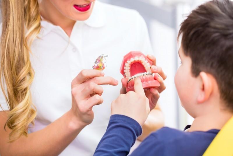 В стоматологическом центре «Стоматолог и я» врачи ортодонты исправляют прикус детям и взрослым